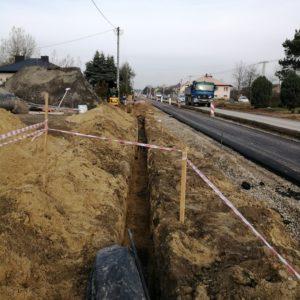 Roboty budowlane polegające na rozbudowie ul. Jana Pawła II na odcinku od ul. Ustronnej do skrzyżowania z ul. Budziwojską oraz budowie kanalizacji deszczowej